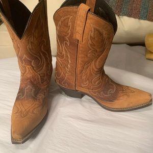 Laredo 7.5 cute boots